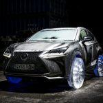 Nu e fantezie! Masina cu roti din gheata de la Lexus