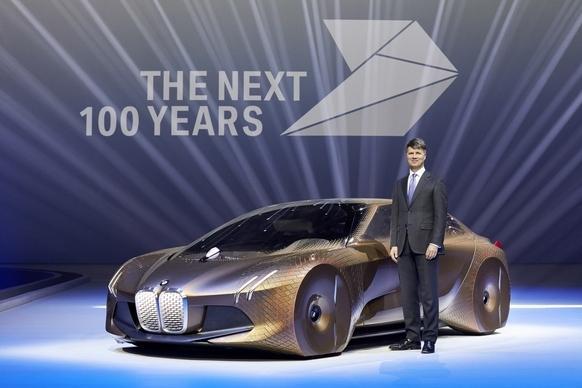 BMW Vision Next 100 concept masina aniversare