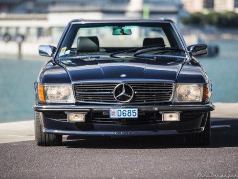 Mercedes 560 SL 2