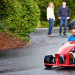 Prima masina electrica speciala pentru copiii intre 5 si 9 ani