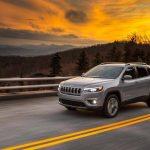 Jeep a publicat primele imagini oficiale cu noul Cherokee GALERIE FOTO